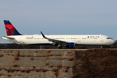 N339DN - Delta Airbus A321 (AndrewC75) Tags: aircraft airplane aviation airport atl atlanta hartsfield jackson international airliner delta airbus a321