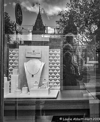 "-20190512Amsterdam25-Edit (Laurie2123) Tags: laurieabbotthartphotography laurieturner laurieturnerphotography laurie2123 laurietakespics bnw blackandwhite monochrome monotone amsterdam ""channeling vivian maier"