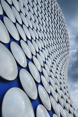 Selfridges, Birmingham (Thomas Roland) Tags: aluminium saint martin's square st martin bull ring selfridges building new arkitekt architecture future systems contemporary design monochrome sky himmel shower travel rejse trip city by birmingham uk united kingdom great britain england nikon d7000 europa europe