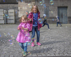-20190510  Cologne 21-Edit (Laurie2123) Tags: cologne fun laurieabbotthartphotography laurieturner laurieturnerphotography laurietakespics odc odc2019 ourdailychallenge bubbles laurie2123