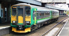 The Coventry Flyer! (The Walsall Spotter) Tags: westmidlandsrailway nuneaton railway station coventry flyer class153 sprinter dmu 153356 153354 warwickshire networkrail britishrailways dogbox