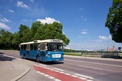 MAN-Metrobus 4002 passiert auf der Fahrt zur nächsten Haltestelle Poccistraße die Theresienwiese (Frederik Buchleitner) Tags: 4002 750hom11a bus kraftverkehrmünchen liniex7 man metrobus munich museumslinie münchen ocm oldtimerring omnibus omnibusclub omnibusclubmünchenev