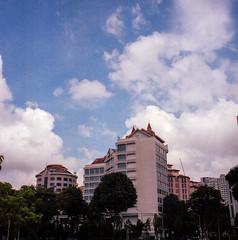 Blue sky on film (Thanathip Moolvong) Tags: kodak portra 160 rolleicord 75mm f35 film medium format 6x6 singapore