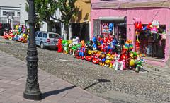 Queretaro2018 230 (Visualística) Tags: santiagodequerétaro querétaro ciudad city stadt urbano urban calle street mx piñatas