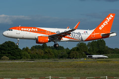 Easyjet / A320 / OE-IVA / LFRS 03 (_Wouter Cooremans) Tags: nte lfrs nantes spotting spotter avgeek aviation airplanespotting atlantique easyjet a320 oeiva 03 austria sticker austriasticker