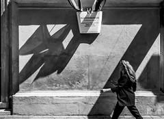 Shadows and vectors. (P P Brasil) Tags: vienna austria street shadows bw monochrome shadow shapes geometry light