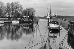 Hooksiel, Inner Harbour (ro_ha_becker) Tags: hooksiel hafen harbour boats fishingboat film analogue leitzelmar3550mm kodak400tmax meinfilmlab reflection spiegelung landschaft landscape