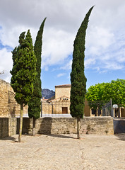 Windig / Windy (schreibtnix on'n off) Tags: reisen travelling europa europe spanien haro bäume trees gebäude building windig windy olympuse5 schreibtnix