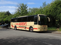 DSCN9202 Andrew's, Tideswell NIB 6064 (Skillsbus) Tags: buses coaches england andrews tideswell peakdistrict derbyshire volvo vanhool nib6064 shearings m685kvu
