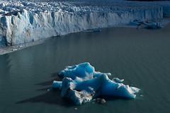 Frozen landscape (luenreta) Tags: argentina glaciar sur patagonia paisaje landscape water lago hielo ice blue viajes
