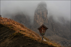 November Blues (angelofruhr) Tags: berge mountains nebel dolomiten alpen felsen italien