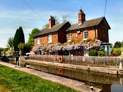 The Lock Keepers Cottage (John McLinden) Tags: shardlow derbyshire waterway trentandmerseycanal cottage