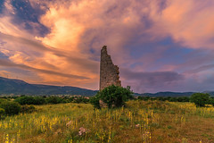 The ancient tower at sunset (Vagelis Pikoulas) Tags: sun sunset ancient architecture archaelogical archaeology view old bc canon 6d tokina 1628mm nature landscape sky skyscape clouds cloudy cloudscape day afternoon colors colours may spring 2019 attiki attica
