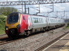 Virgin Trains Class 221 221113 (Alex S. Transport Photography) Tags: train railway rail vehicle outdoor tamworth 1d85 virgintrains virgin dmu class221 voyager 221113