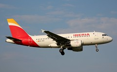 Iberia, EC-KKS, MSN 3320, Airbus A 319-111, 19.05.2019, HAM-EDDH, Hamburg (Named: Halcon Pelegrino) (henryk.konrad) Tags: iberia eckks msn3320 airbus a319 319111 hameddh hamburg henrykkonrad halconpelegrino