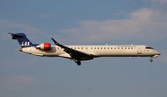 SAS Scandinavian Airlines, EI-FPM, MSN 15429, Canadair Regional Jet CRJ-900LR, 19.05.2019,  HAM-EDDH, Hamburg (Named: Lyr Viking) (henryk.konrad) Tags: sas scandinavianairlines eifpm msn15429 canadairregionaljet crj900lr hameddh hamburg henrykkonrad lyrviking