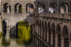 waterways in Mantova (Luca Nacchio) Tags: città mntova canali geometrie architettura vie acqua primavera 2019 city channel geom geometries architecture way water spring italia italy lombardia fotografia photography streetphotography