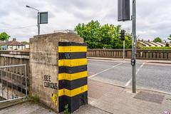 MANY DUBLINERS MAY BE UNAWARE THAT THE GRAND CANAL FORKED HERE [AT SUIR ROAD BRIDGE]-152756 (infomatique) Tags: grandcanal mainline circularline canallocks davittroad suirroad suirroadbridge grandcanalharbour jamessstreet anndevlin annedevlin dolphin'sbarn portobello dublin4 riverliffey luas redline publictransport tramline griffithbridge firstlock 7thlock canals bridges williammurphy infomatique fotonique sony a7riii zeissbatis batis zeiss 25mmlens ireland