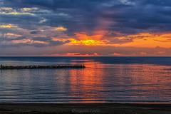 Visto che tramonto - See that sunset (Eugenio GV Costa) Tags: approvato tramonto acqua mare scogli sunset cielo sky sea water rocks