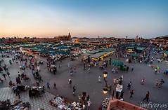 Plaza Yamaa el Fna- Marrakech (JMFVERAS) Tags: 2019 viajes travel marruecos morocco marrakech plaza square people gente comercio commerce sunset ocaso puestasol azul blue hour hora