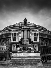 Royal Albert Hall (amipal) Tags: 175mm architecture building capital city england gb greatbritain london manuallens royalalberthall statue uk unitedkingdom urban voigtlander