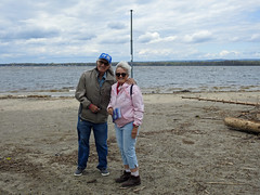 Al and Thérèse during a day of Al flying his kite at the Britannia Bay beach in Nepean (Ottawa), Ontario (Ullysses) Tags: thérèseandal britanniabaypark britanniabaybeach spring printemps ottawariver rivièredesoutaouais nepean ottawa ontario canada couple retired love beach plage