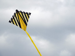 Al's kite in flight launched by his wife Thérèse at the Britannia Bay beach in Nepean (Ottawa), Ontario (Ullysses) Tags: thérèseandal kite flyingakite albert britanniabaypark britanniabaybeach spring printemps ottawariver rivièredesoutaouais nepean ottawa ontario canada cerfvolant