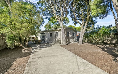 17 Saratoga Avenue, Barwon Heads VIC 3227