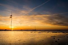 Krabbendijke (Omroep Zeeland) Tags: zonsondergang wolkenlucht krabbendijke nationaal park oosterschelde slik