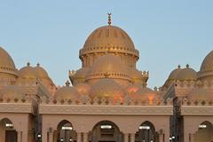 Al Mina Mosque, Hurghada (YVND2PAFWHD3YKTA5BER6U4HS4) Tags: mosque islamic architecture dome holy pray worship nikon nikond3200 nikonartists nikontop natgeo natgeotravel bbctravel travel travelphotography attiaphotography attiaawadh ibnatoota