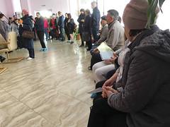 IMG_7340 (Бесплатный фотобанк) Tags: россия краснодар поликлиника очередь регистратура толпа медицина медицинская клиника