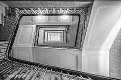 Hamburg - Kontorhaus Neuer Wall (peterkaroblis) Tags: hamburg treppenhaus staircase haus house building gebäude innenansicht architektur architecture interiordesign innenarchitektur interieur interiorarchitecture lines curves linesandcurves geometry geometrie schwarzweis blackandwhite