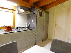 Cocina (brujulea) Tags: brujulea casas alquiler tubilla del lago burgos apartamentos ribera duero crianza cocina