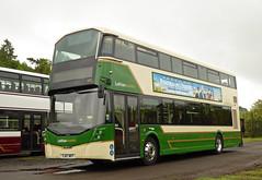 Country 572 (SRB Photography Edinburgh) Tags: lothian country lothiancountry b5 wrightbus buses bus ukbus green 572