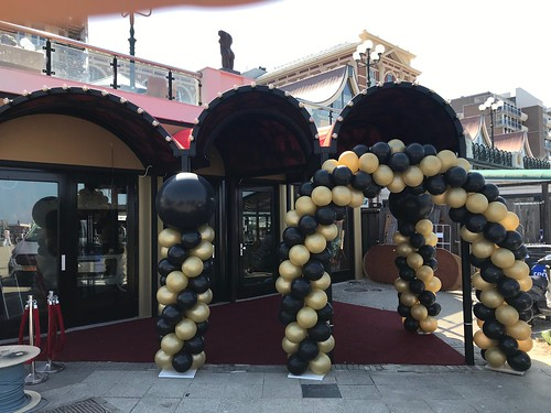 Ballonpilaar Breed Rond Opening Crazy Piano's Scheveningen Den Haag