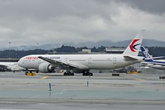 China eastern Airlines 2015 Boeing 777-300 B-2025 c/n 43276 at San Francisco Airport 2019. (17crossfeed) Tags: b2025 43276 sfo sanfranciscoairport chinaeasternairlines airport aviation aircraft airplane pilot planes planespotting plane claytoneddy 17crossfeed 777 777300 777300er 777200 flying flight flightattendant lufthansa