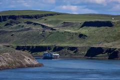Snake River tour boat (Richard McGuire) Tags: palouse steptoebutte washington landscape