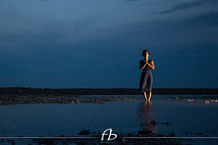Yoga nell'ora blu (Fotobenzo) Tags: yoga yogashooting bluehours flashoffcamera modella shooting italiangirl girl evening sunset bestpic nophotoshop mare sea summer relax relaxtime