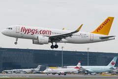 A20N_PC901 (SAW-VIE)_TC-NBT_1 (VIE-Spotter) Tags: vie vienna airport flughafen wien flugzeug loww planespotting airplane