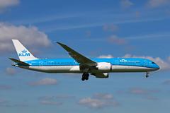 Boeing 787-9 Dreamliner PH-BHN KLM (Jarco Hage) Tags: byjarcohage aviation airplane airport amsterdam ams eham holland netherlands nederland vliegtuig luchthaven boeing 7879 dreamliner phbhn klm