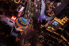 Las Vegas-4 (coopertje) Tags: unitedstates usa nevada las vegas verenigde staten vs thestrip boulevard casino architecture evening night lights america amerika paris eiffel tower balloon sinncity