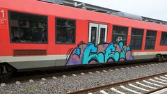 Graffiti (Honig&Teer) Tags: honigteer graffiti osterode db deutschebahn dbregio spraycanart steel aerosolart eisenbahngraffiti railroadgraffiti train treno trein traingraffiti trainspotting trainwriting trainart urbanart panel bombing benching vandalismus