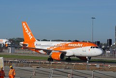 G-EZDN Luton 14-05-19 (IanL2) Tags: easyjet gezdn luton airport airbus a319 aircraft airliners