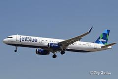 N977JE (320-ROC) Tags: jetblueairways jetblue n977je thelimintdoesnotexist airbusa321 airbusa321200 airbusa321231 airbus a321 a321200 a321231 klax lax losangelesinternationalairport losangelesairport losangeles proudbird california