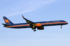 TF-ISX (JBoulin94) Tags: tfisx icelandair boeing 757300 special livery washington dulles international airport iad kiad usa virginia va