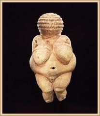 Venus von Willendorf (Runemaker) Tags: folklore volkskunde venus woman frau amulet wien vienna willendorf naturhistorischesmuseum museum naturalhistory archaeology anthropology austria österreich nikon d750