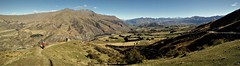 the Crown Range Road (SM Tham) Tags: newzealand southisland crownrangeroad viewpoint mountains valley path people road cars sky panorama