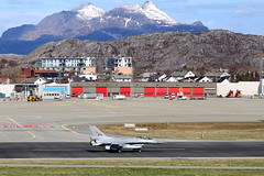 674 Bodø 02/05/19 (Andy Vass Aviation) Tags: norwegianairforce bodø 674 f16