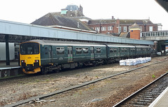 Prototype Class 150 at Exeter Central (philwakely) Tags: gwr fgw firstgreatwestern first greatwestern greatwesternrailway exeter exetercentral class150 sprinter diesel dieselmultipleunit dmu avocetline trains train railway railways rail locomotive