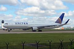N644UA 2 Boeing 767-322ERW United Airlines MAN 21MAY19 (Ken Fielding) Tags: n644ua boeing b767322erw unitedairlines aircraft airplane airliner jet jetliner widebody